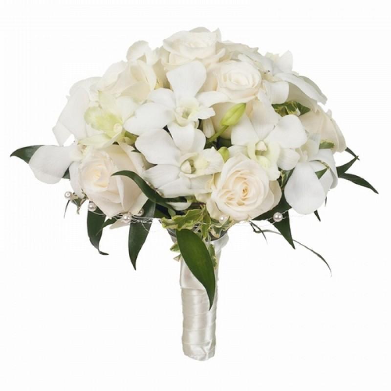 букет невесты из белых роз и орхидей